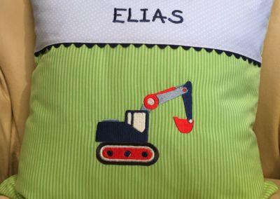 Kuschelkissen Elias mit Bagger
